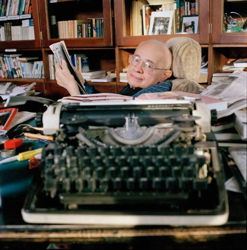 Stanislaw Lem, autor de La voz del Amo.
